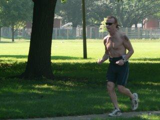 Don Appleman running in the triathlon